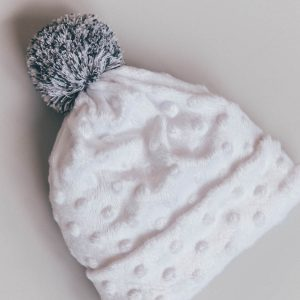 Kapa s cofom – MINKY WHITE